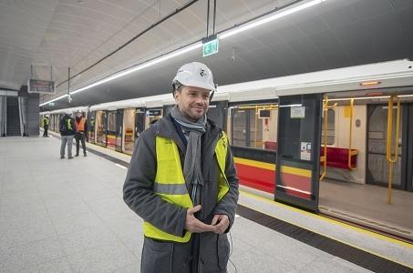 Warszawa. Metro dojechało na stację Trocka.